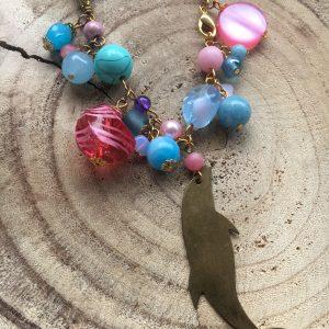 Collar-artesanal-azul-rosa